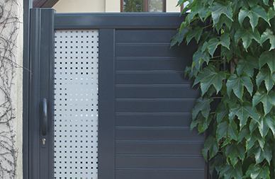 Home automation solution for automatic gate opening